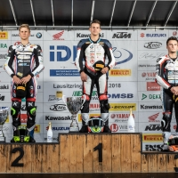 idm-sbk_rennen1_lausitzring2018-siegerehrung_web-1