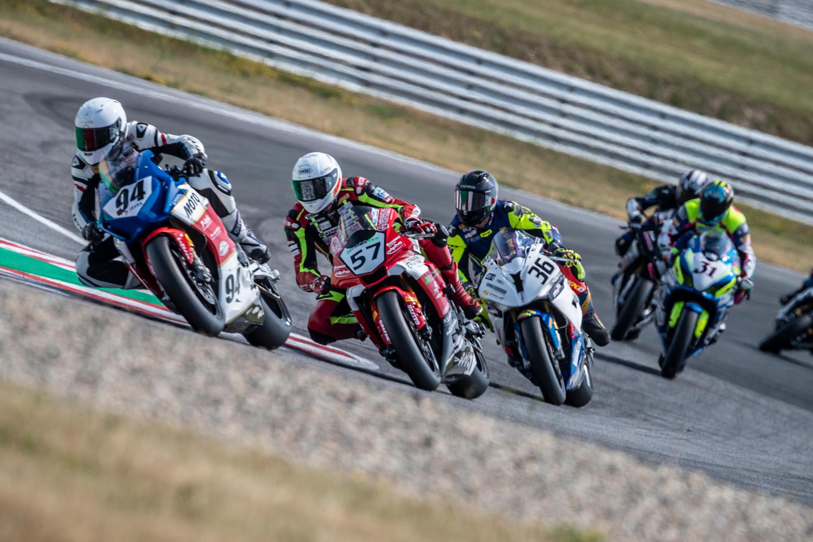 idm_speedweek_samstag_rennen1_90