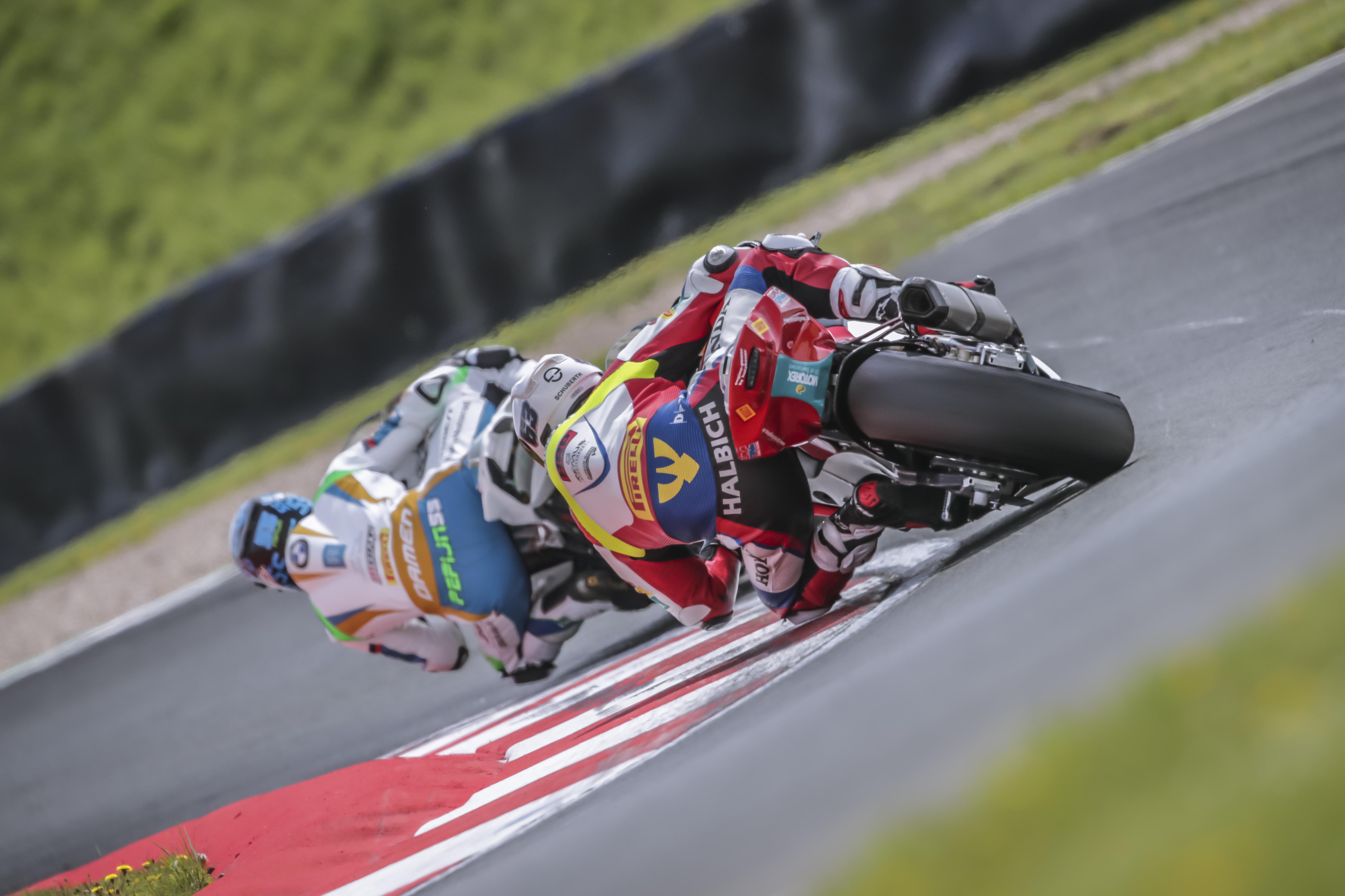 IDM Superbike 1000: Jagd auf BMW im Qualifying