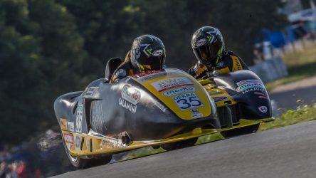 Sidecar – PS-Donner auf dem Circuit du Val de Vienne in Frankreich