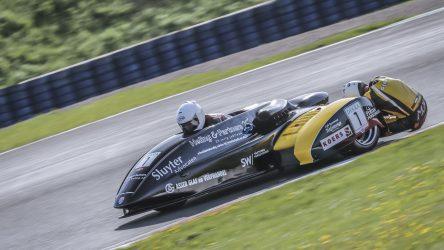 IDM Sidecar: Ex-Weltmeister startet von der Pole Position