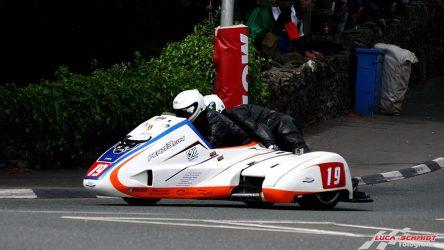 IDM Sidecar: Roscher holt Platz 13 im ersten TT-Rennen