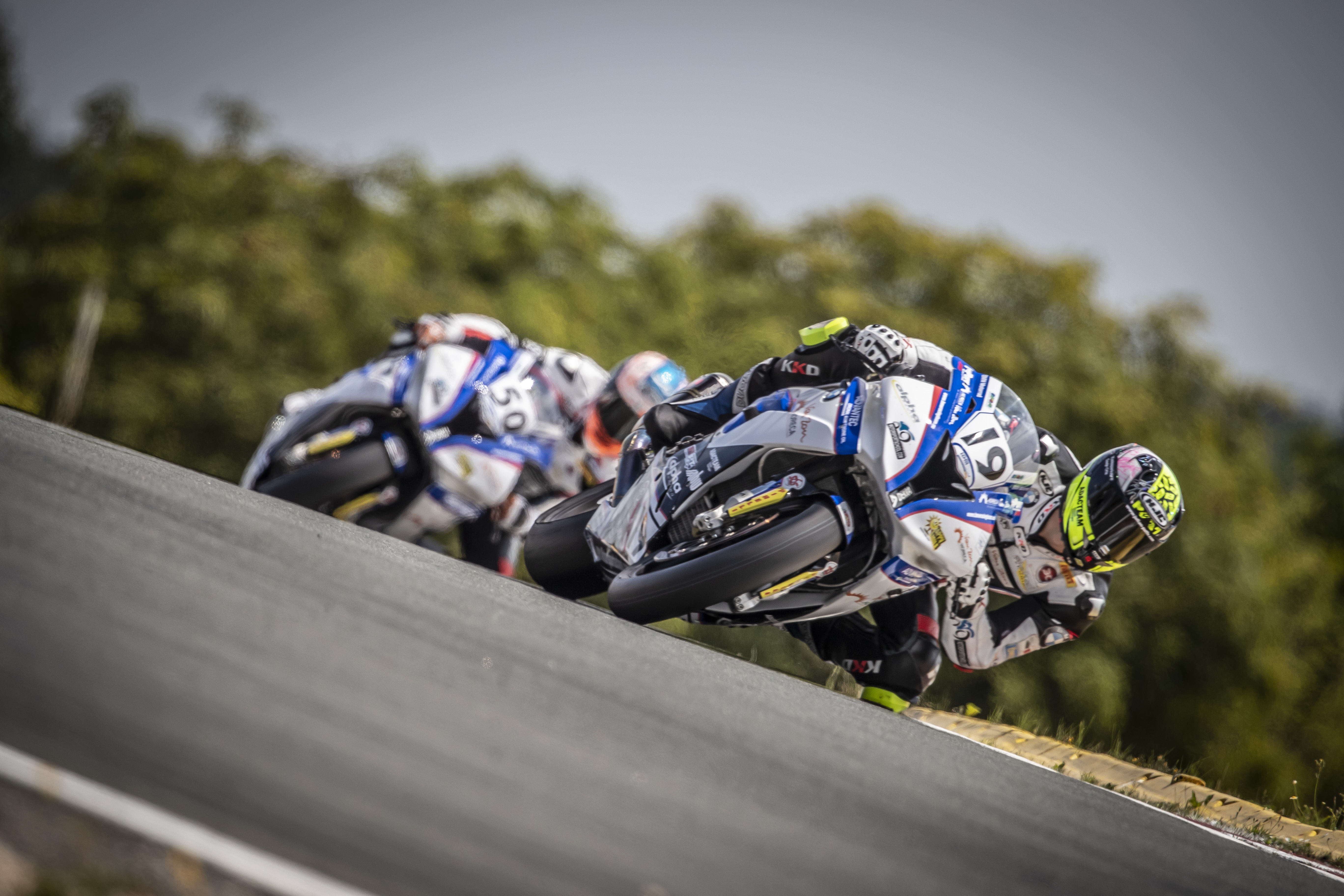 IDM Superbike 1000: Schleiz im Ausnahmezustand, Julian Puffe zu Hause auf der Pole