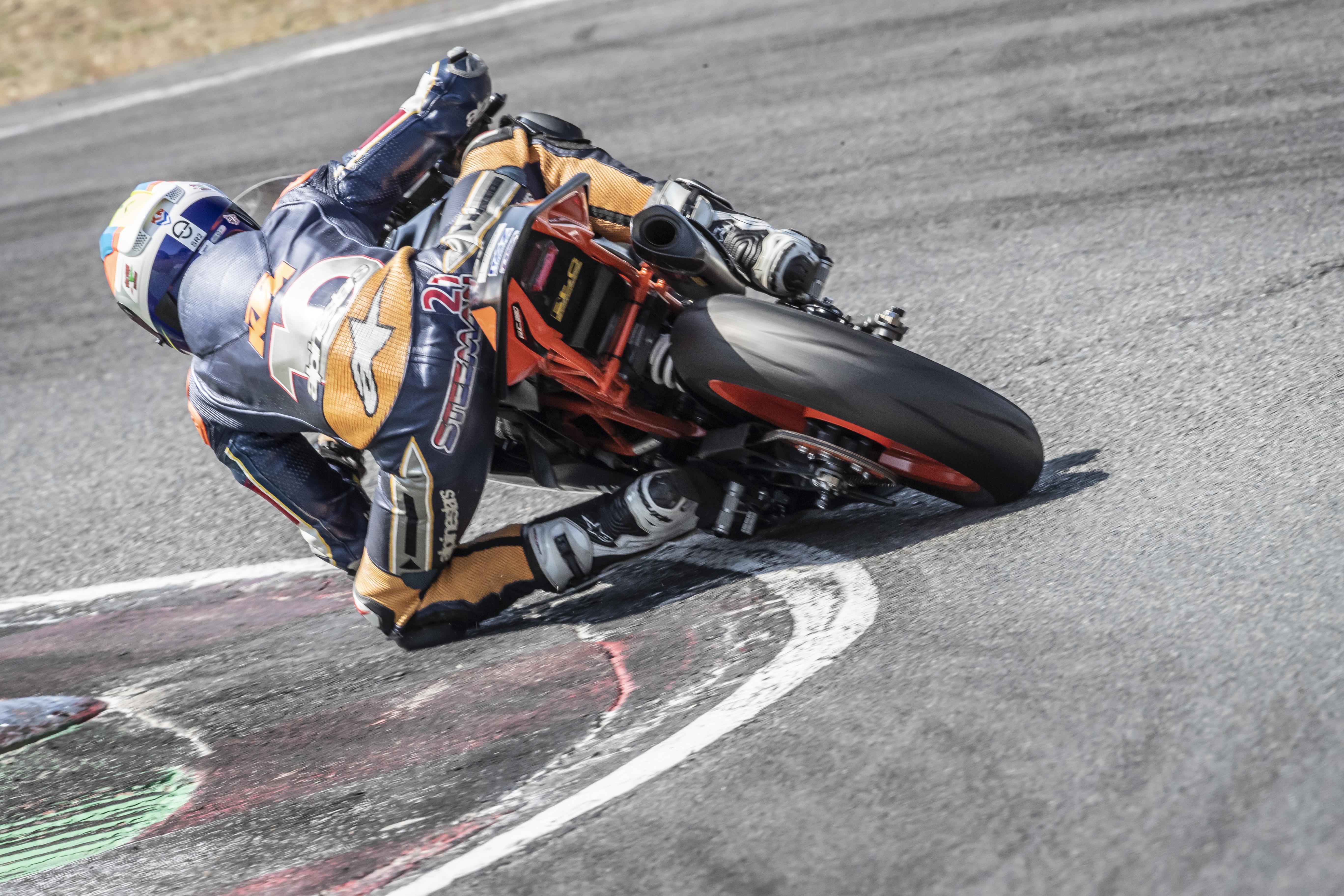 IDM Supersport 300: Victor Steeman feiert in Zolder den zweiten IDM-Sieg