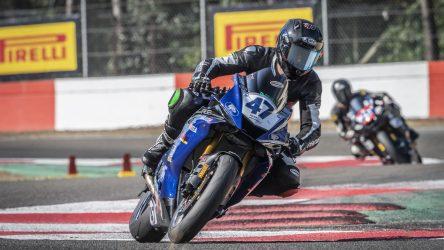 IDM Supersport 600: Enderlein gewinnt Rennen 1, aber Buchner führt die Tabelle an