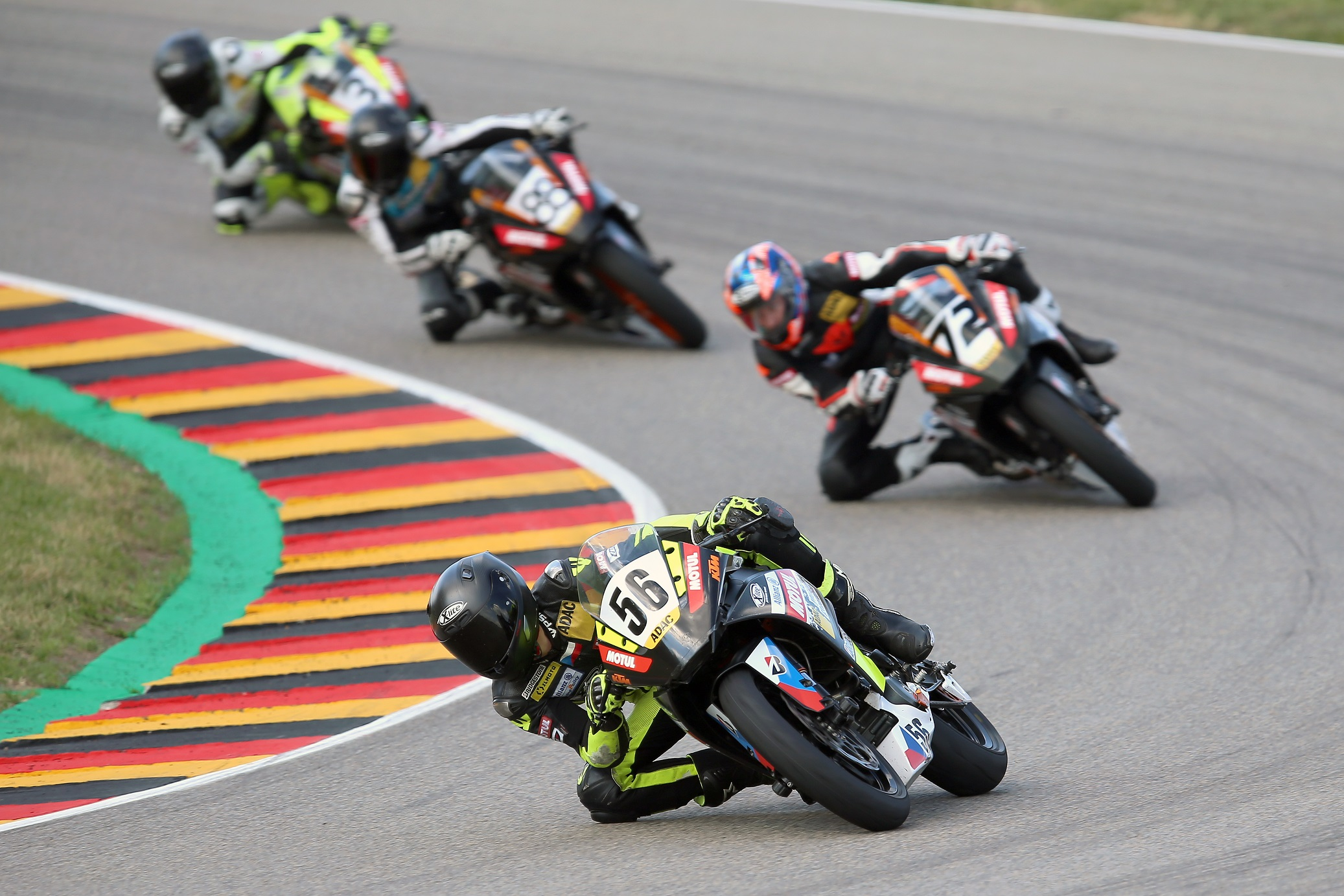 IDM Supersport 300: Der ADAC Junior Cup-Vize David Kubáň greift an
