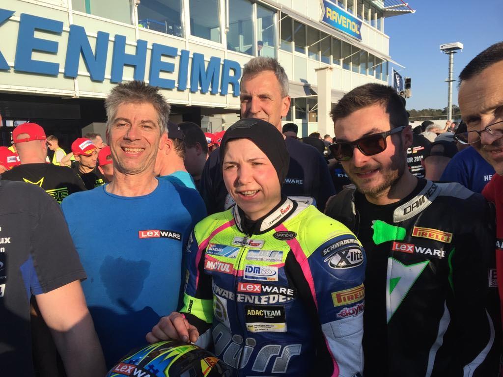 """IDM Superbike 1000: Sieg von Sarah Heide beim Saison-Opening-Klassiker """"1000 km Hockenheim"""""""