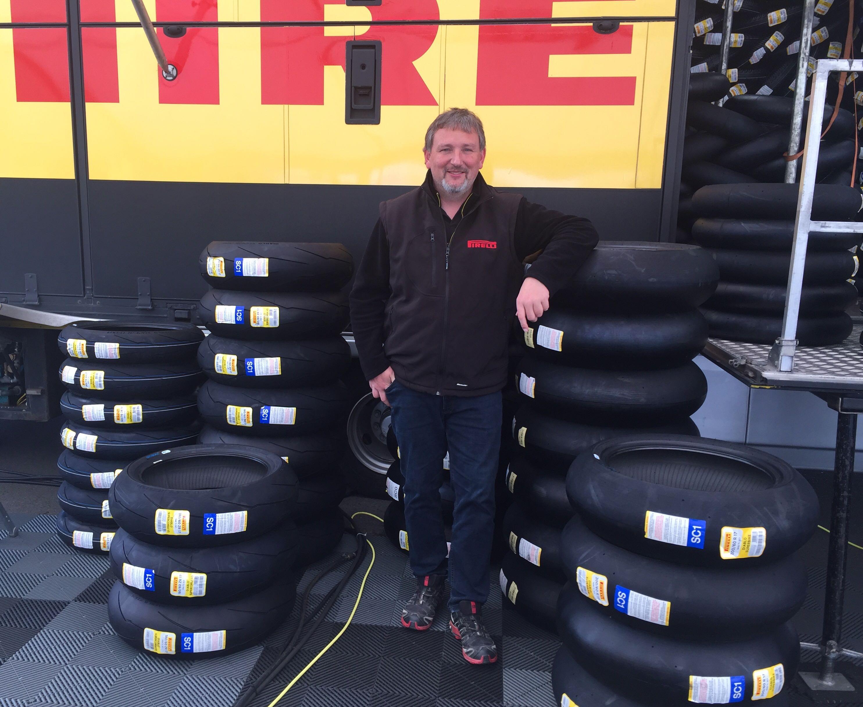 IDM 2019: Trucks mit neuen Pirelli-Reifen angekommen