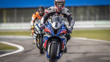 IDM Superbike 1000: Mikhalchik ebnet sich im Qualifying den Weg zum vorzeitigen Triumph