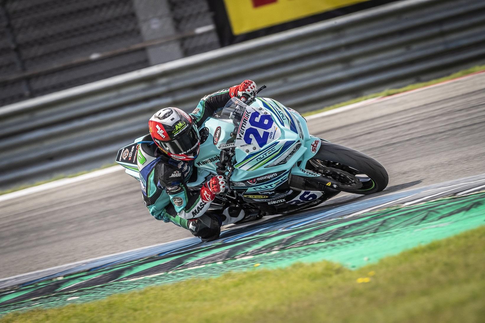 IDM Supersport 300: Kawasaki-Pilot Licciardi baut Spitzenposition aus