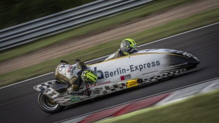 IDM Sidecar: Champion Reeves zum achten Mal Weltmeister – Bruch bei Sattler