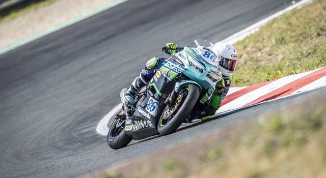 IDM Supersport 300: Micky Winkler und sein Rendezvous mit der Kawasaki
