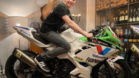 IDM Supersport 300: Kawasaki-Neuzugang Jorke Erwig ist ein flotter Hirsch
