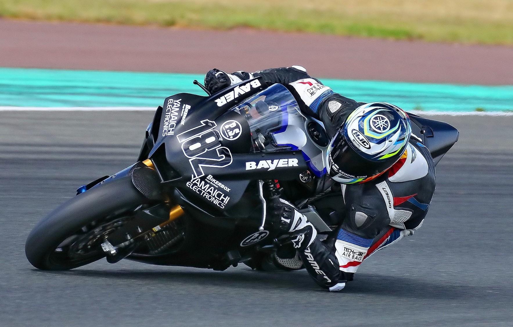 IDM Superbike 1000: Bastien Mackels ist vernarrt in seine bildhübsche Yamaha