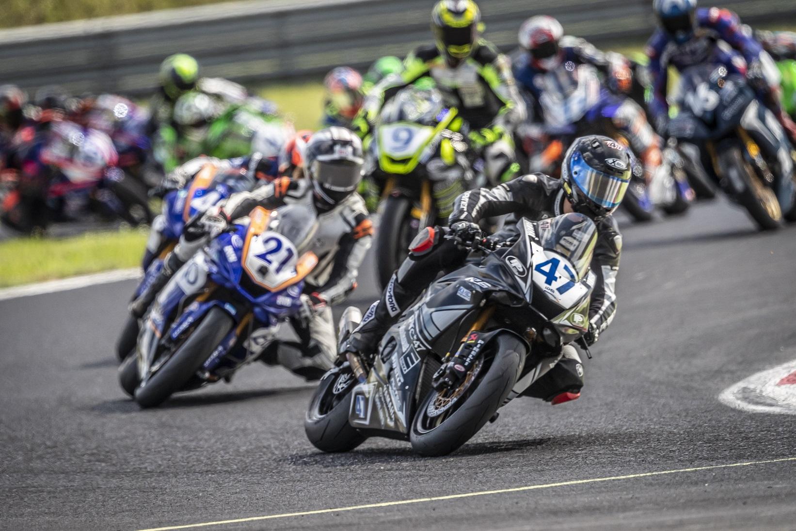 IDM Supersport 600:  Platz vier, drei, zwei und jetzt eins für Marc Buchner?