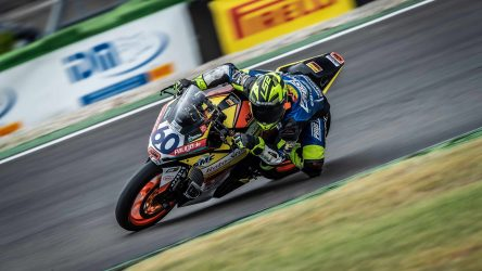IDM Supersport 300: Erster Erfolg für Dirk Geiger