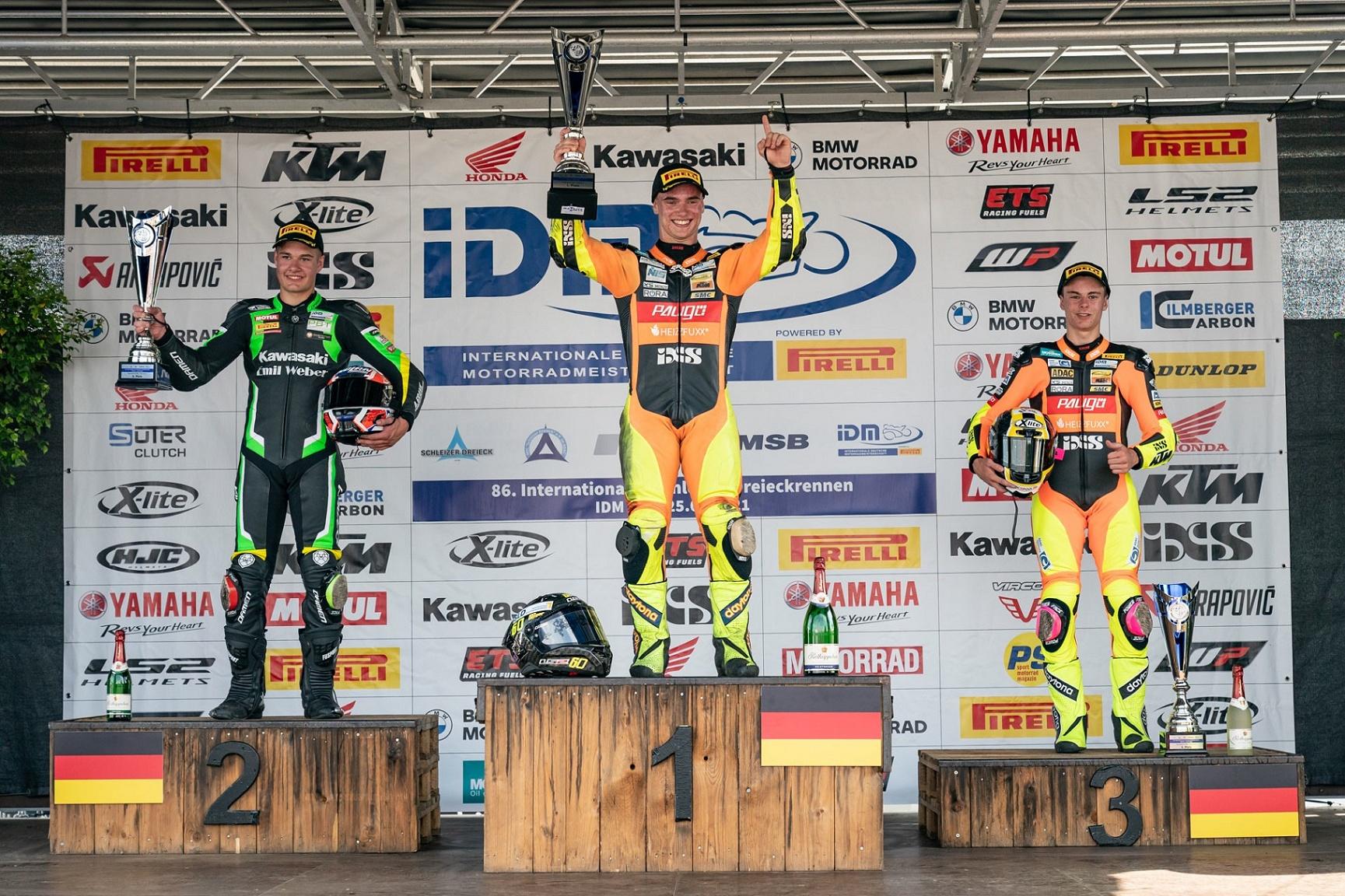 IDM SSP 300: Geiger rast zum ersten Saisonsieg