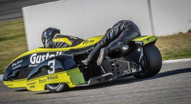 IDM Sidecar: Schlosser/Fries rauschen zum Sieg